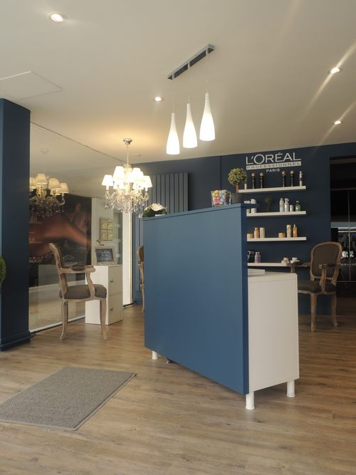 Interieur salon de coiffure latest agencer son salon de for Agencer son salon
